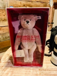 Steiff 1902 limited reproduction teddy bear