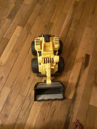 yellow and black plastic toy Upper Marlboro, 20774