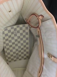 white and gray checkered leather crossbody bag Vancouver, V5X 4K3
