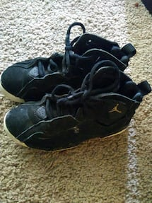 Used shoes kids size 1yr