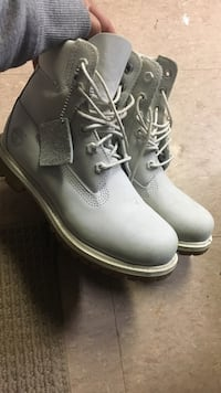 Timberlands size 6-6 1/2 London, N6C 4Y1