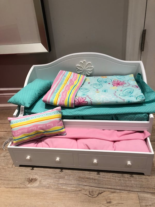 American Girl Trundle Bed for Doll f3f8fa4a-c09b-4c05-a1dc-0f973418c86e