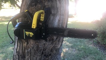 """Electric 14"""" Chainsaw"""