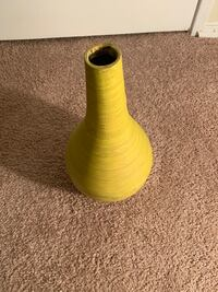 Hollow vase  Brentwood, 20722
