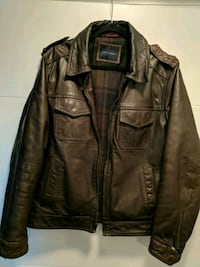 Great condition men's large leather zip-up jacket Toronto, M5V 0G9