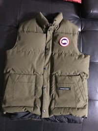 Authentic Canada Goose Vest 10/10 (Retails $450+ tax) 541 km