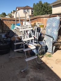 gray and black exercise equipment Victorville, 92394