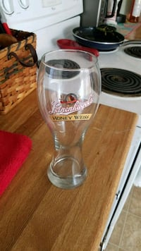 "9"" leinenkugel glass. Omaha, 68134"