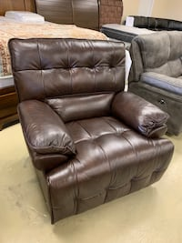 Motion power reclining chair real leather with USB port brand new Memorial Day sale Jacksonville, 32216