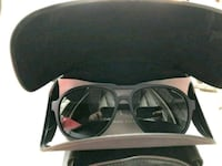 black framed sunglasses with case Stockton, 95206