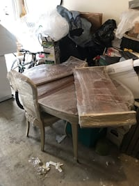 Antique Dining Table with 2 leafs and 2 chairs Yonkers, 10701