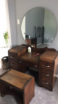 Makeup table. Make an offer   Innisfil, L9S