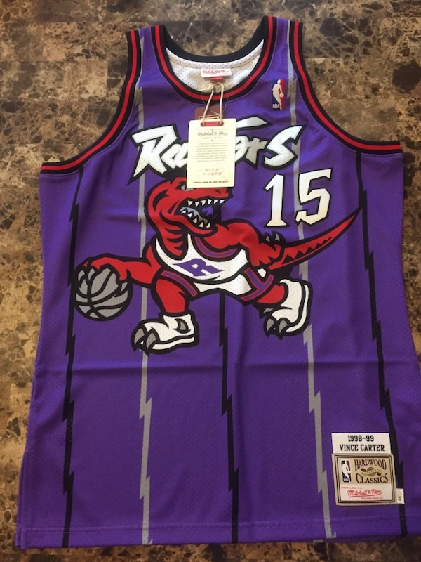Used Authentic Mitchell   Ness Toronto Raptors 98-99 Vince Carter Jersey  for sale in Mississauga - letgo 2b1eaa90b