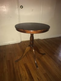 Small Pedestal table  New York, 10457