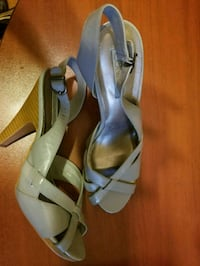 Sandals (size 8 1/2) Triangle, 22172