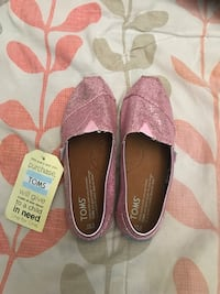 Pink glitter TOMS shoes Size Youth 2.5 Rancho Cucamonga, 91730