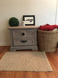 Distressed/shabby chic end table  Arlington, 22204