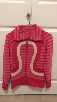 Pink Lululemon sweater size 4 Burnaby, V3J
