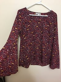 Bell sleeve blouse  New Tecumseth, L9R 1T3