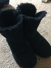 pair of black sheepskin boots Hanover, 21076