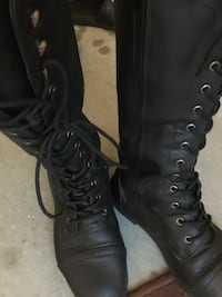 pair of black leather combat boots Surrey, V3W