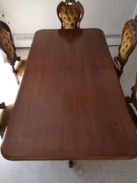 Brown wooden table with chair Montréal, H8N 1C6