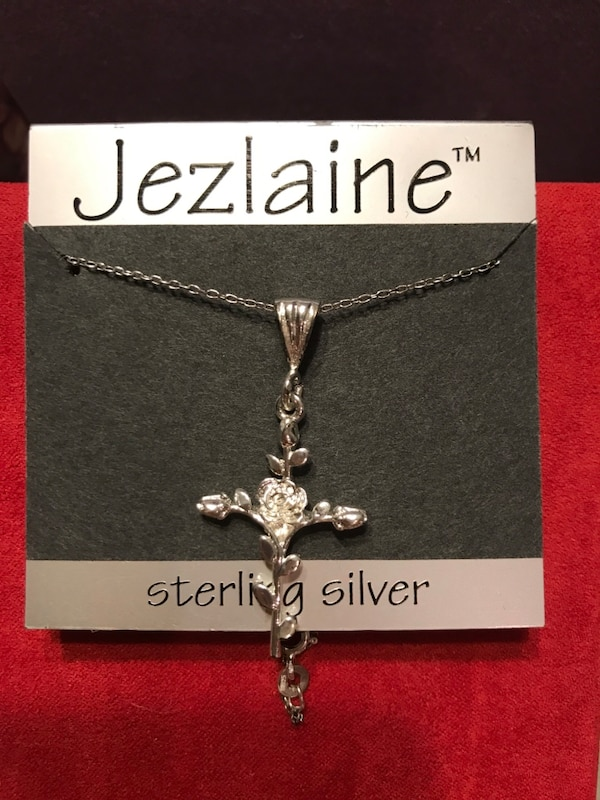Beautiful!! Sterling Silver Rose Cross Necklace b71e1ee9-3624-4003-a8ae-bc1ec6ddc8e7