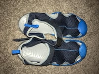 Mismatched size men's water crocks( size 9left and size 10 right) brand new ) Mechanicsburg, 17050