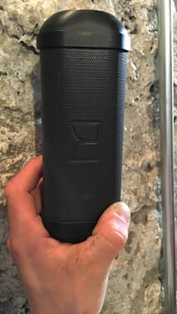 Portable Bluetooth speaker w/ built in flashlight Guelph, N1E 4E3