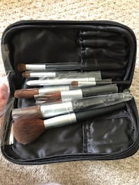 Pur Minerals Make Up Brushes