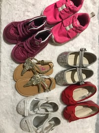 toddler's four pairs of shoes Mercedes, 78570