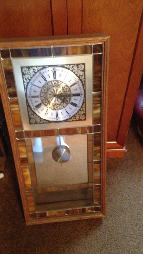 Clock with stained glass battery operated chimes $