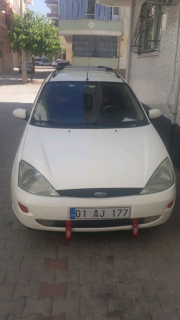 2001 Ford Focus SW 6