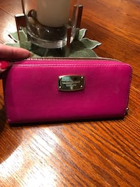 Mk authentic wallet hot pink Mississauga, L5N 2R8