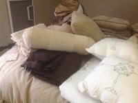 Several duvet sets.They are all double size. 3498 km