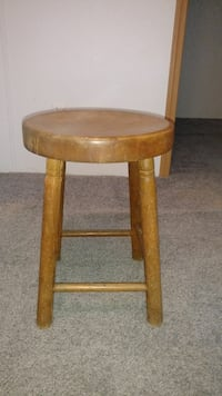 Wooden stool. Hartly, 19953