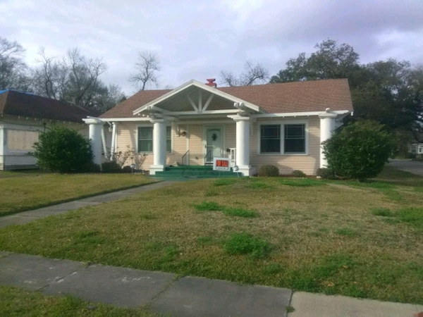 HOUSE For Sale 3BR 2BA