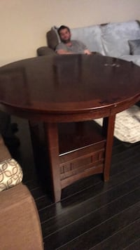 round brown wooden side table Mississauga, L5B 4G7