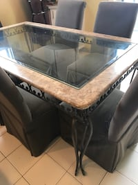 Running table  Laval, H7W 4L3
