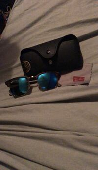 black framed Ray Ban sunglasses with case Mississauga, L5M