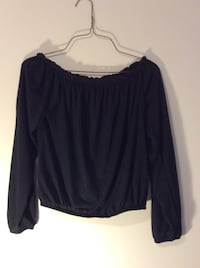 black scoop-neck long-sleeved shirt Richmond Hill, L4S 2T6