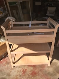 Baby changing table 355 mi