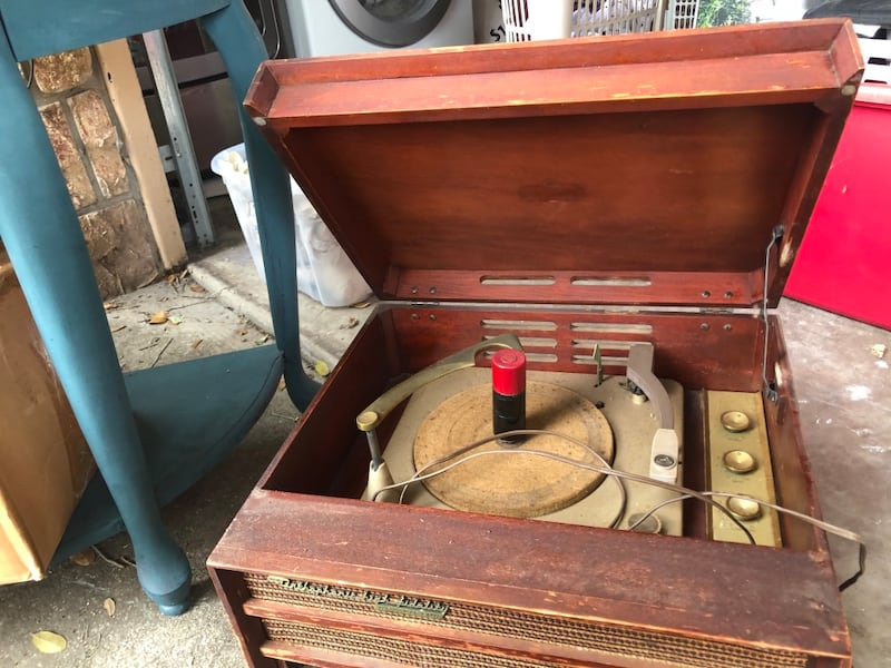 Antique record player works!! Last pic is base but no legs 031a41ed-b826-4a1e-b2c0-9227b43e609a