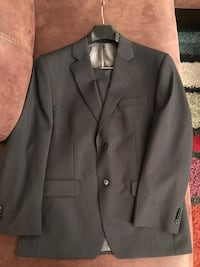gray notch lapel suit jacket Vienna, 22182
