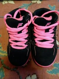 pair of black-and-pink Fila sneakers Poughkeepsie, 12601