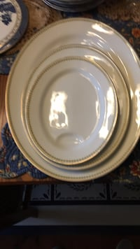 round white and brown ceramic plate Myerstown, 17067