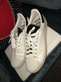 pair of white Converse low-top sneakers Dearborn, 48124