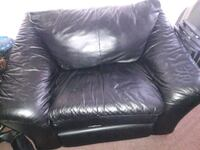 Leather couch 1 seats Baltimore, 21234