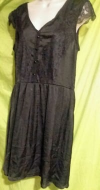 Black sleeveless size large dress by Eyeshadow