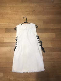 White dress size medium !! Montréal, H4M